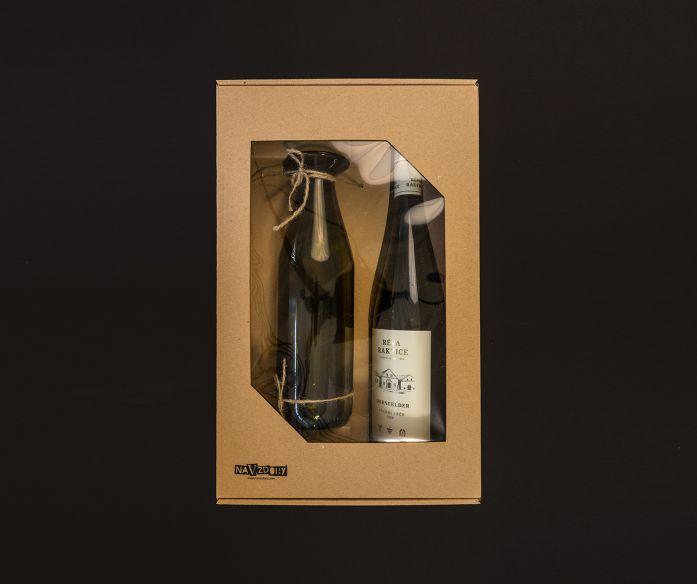 Dárkové sada vína s upcycled karafou